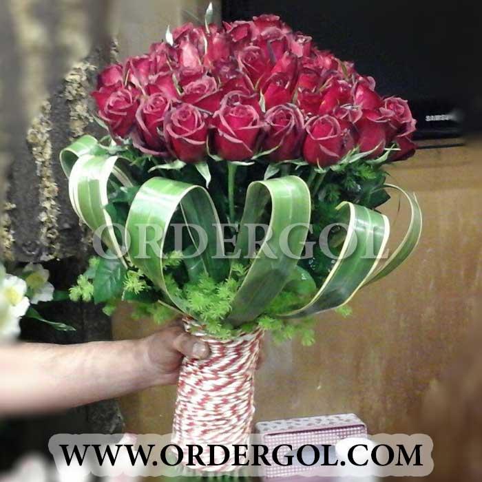 دسته گل تولد با رز قرمز